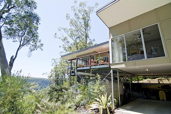 D HOUSE / HILLTOP HOUSE